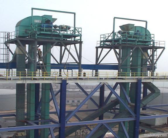 High-speed chain bucket elevator