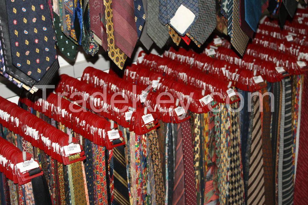 Bulk lot of 500 silk ties
