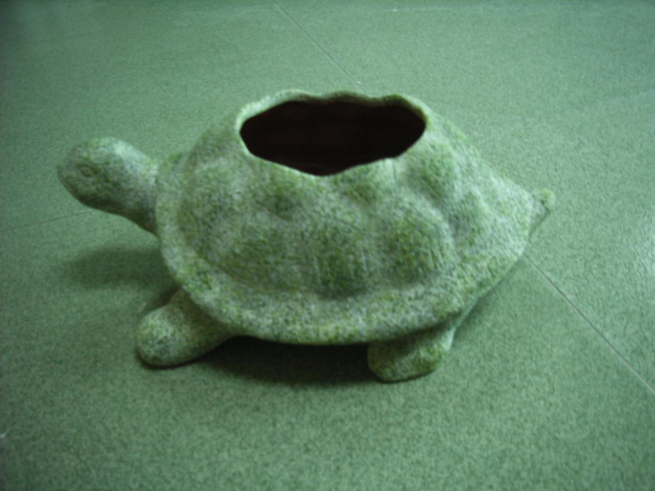 ceramic pot and t-light holder