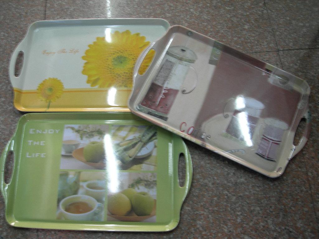 barbecue plate,doormat,plastic broom,fruit tray,rice cooker