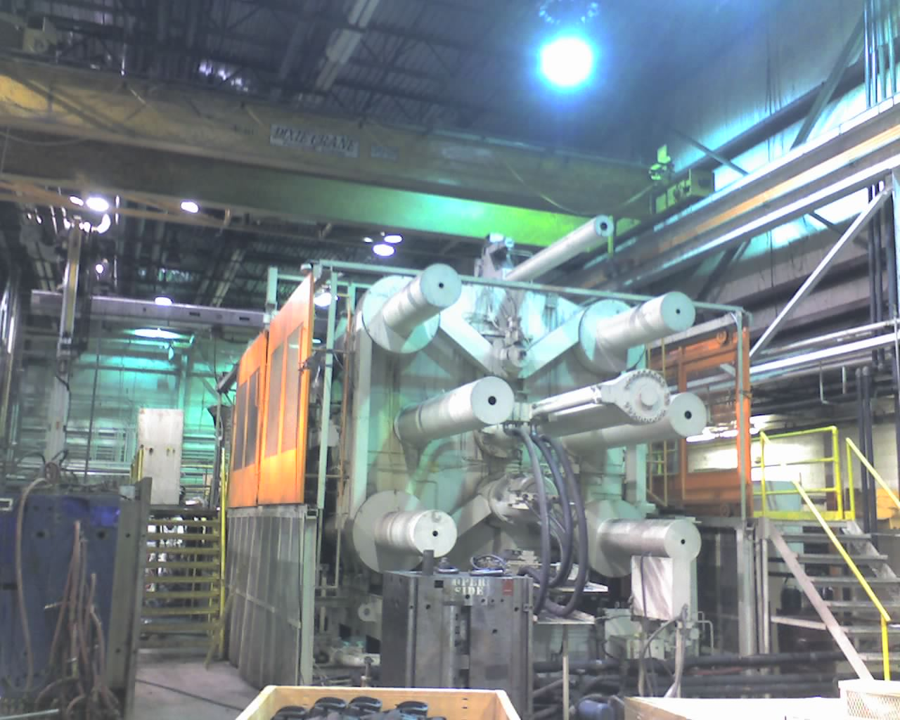 3000 Ton Ube, Plastic Molding Machine 212 Tons (Approx. Weight)