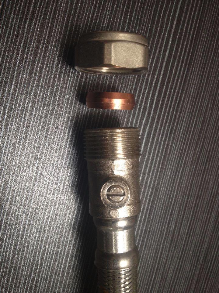 Ireland Type 21.7mm Isolating Valve with Braided Hose