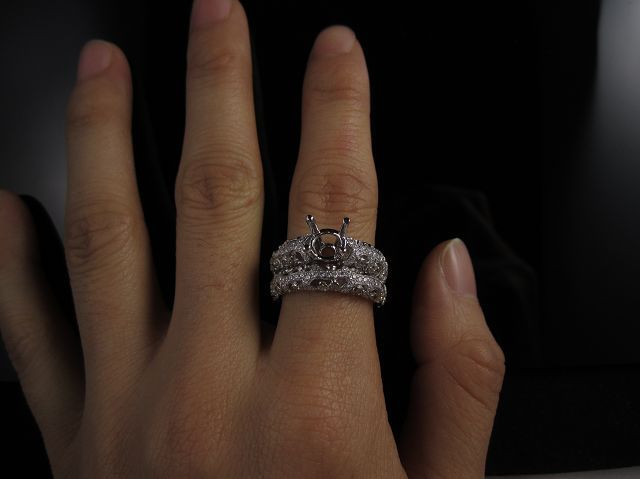 Wedding ring (Engagement Ring / Diamond Ring)