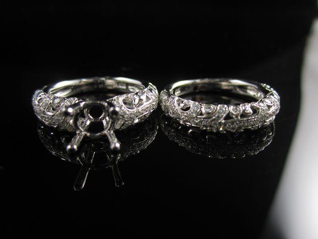 Wedding ring (Engagement Ring / Diamond Ring)