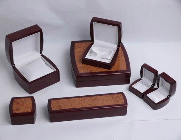 Wooden Jewelery Boxes