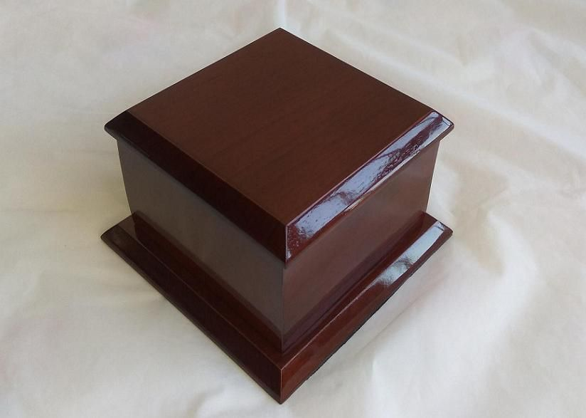 Wooden Pet urns, Standard urns in S, M, L sizes