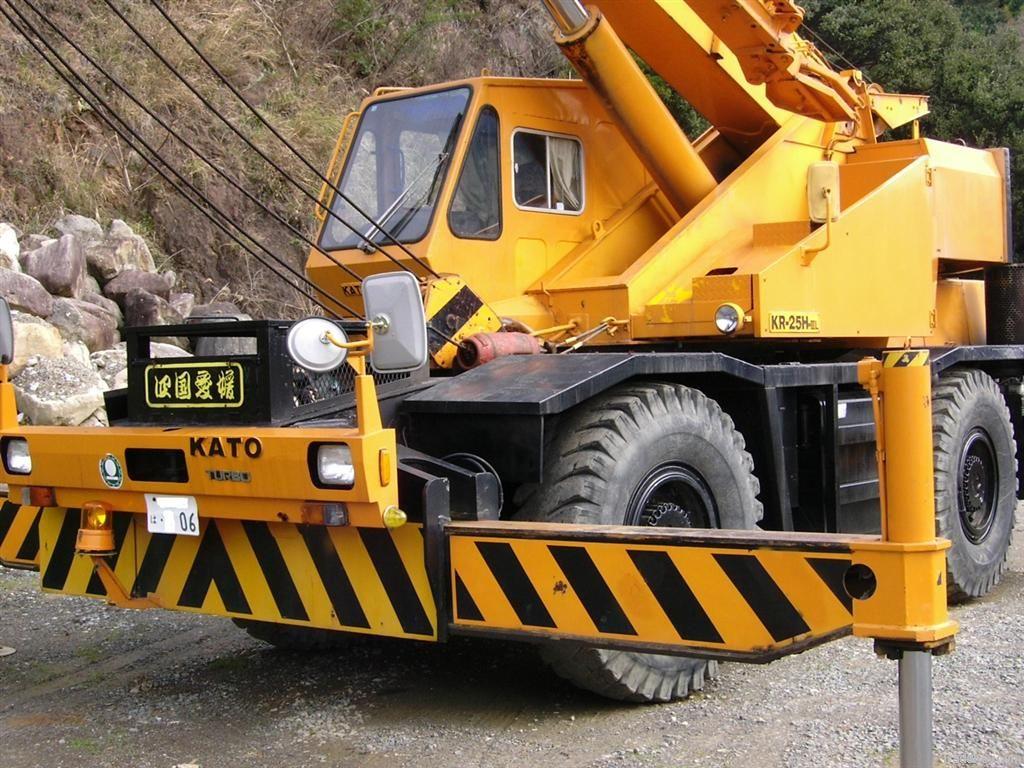 Kato rough terrain crane