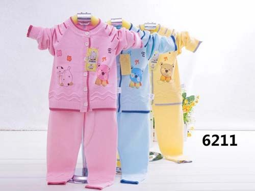 Wholesell Baby Clothing with New Design