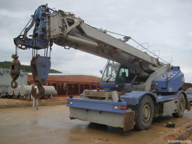 Komatsu Rough Terrain Crane (50 Ton)