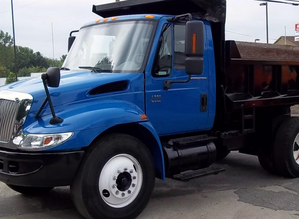 2004 International Dump Truck
