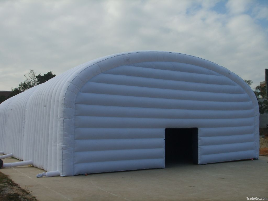 Huge tent inflatable