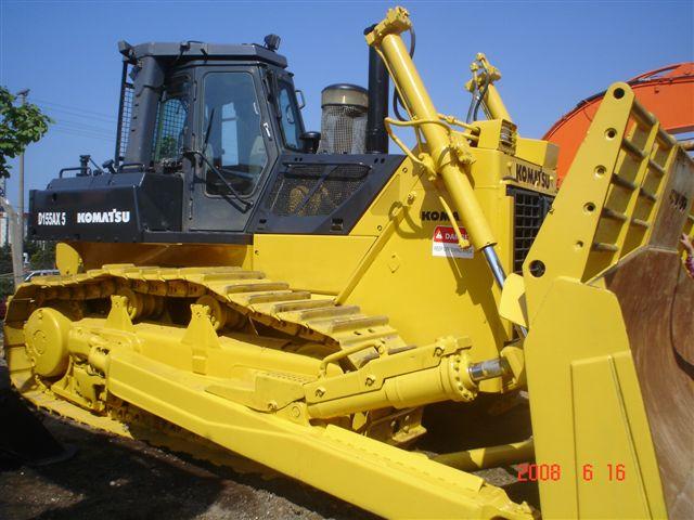 Komatsu D155 - AX Crawler Bulldozer