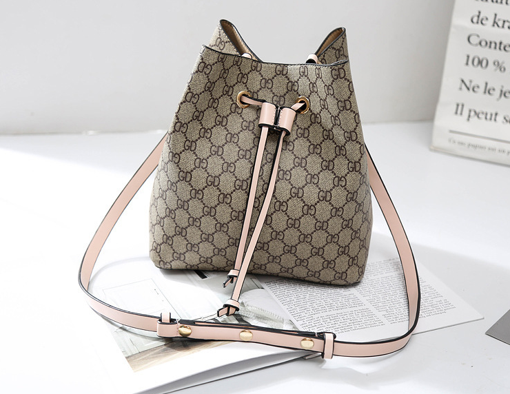 Classic Elegant Ladies fashion cluthes bags hand bags
