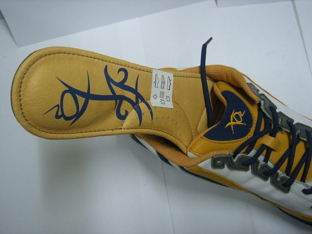 XO2 shoes stock