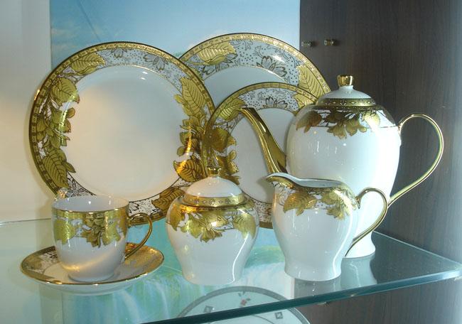 ceramic tableware, porcelain dinnerware