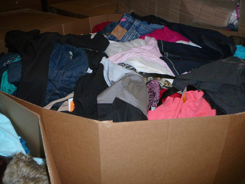 Winter Fashion American mixed clothing in Large Quantities, 56 pallets
