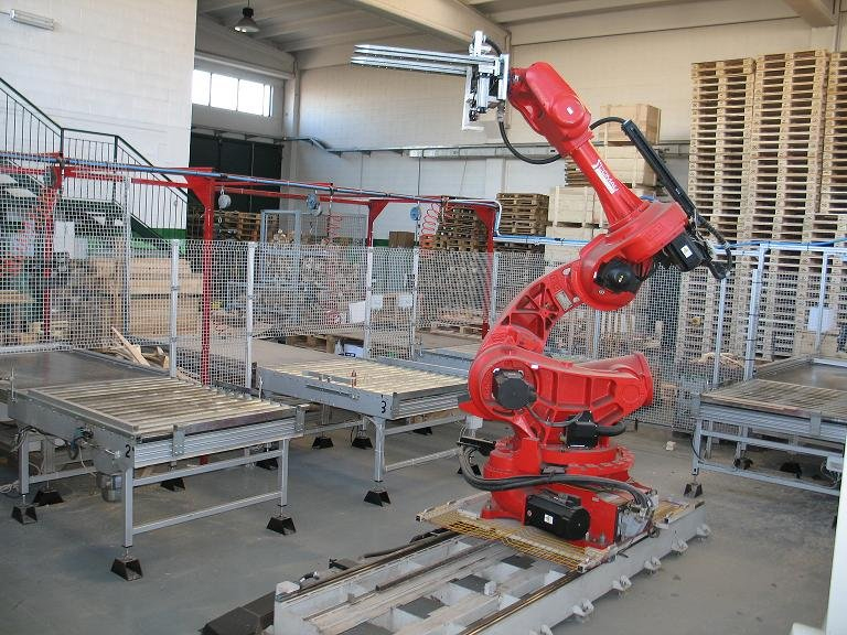 Pallet sorting and repairing system