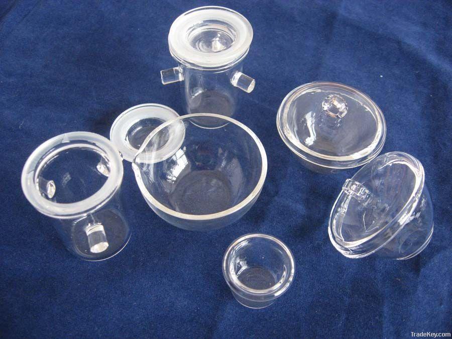 Clear quartz crucibles for melting