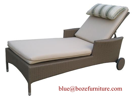 Outdoor Furniture Good Quality Chaise Lounge / Wicker Lounge Bed