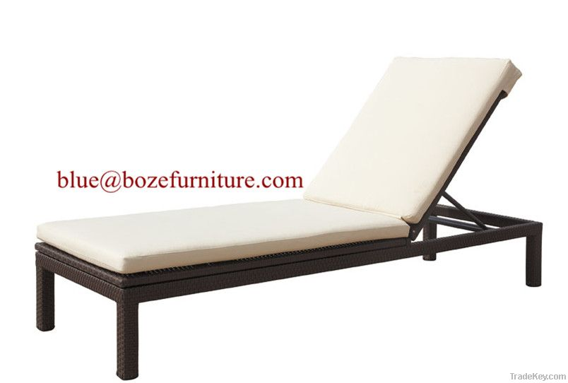 Outdoor Furniture Rattan Sunlounge / Lounge Bed