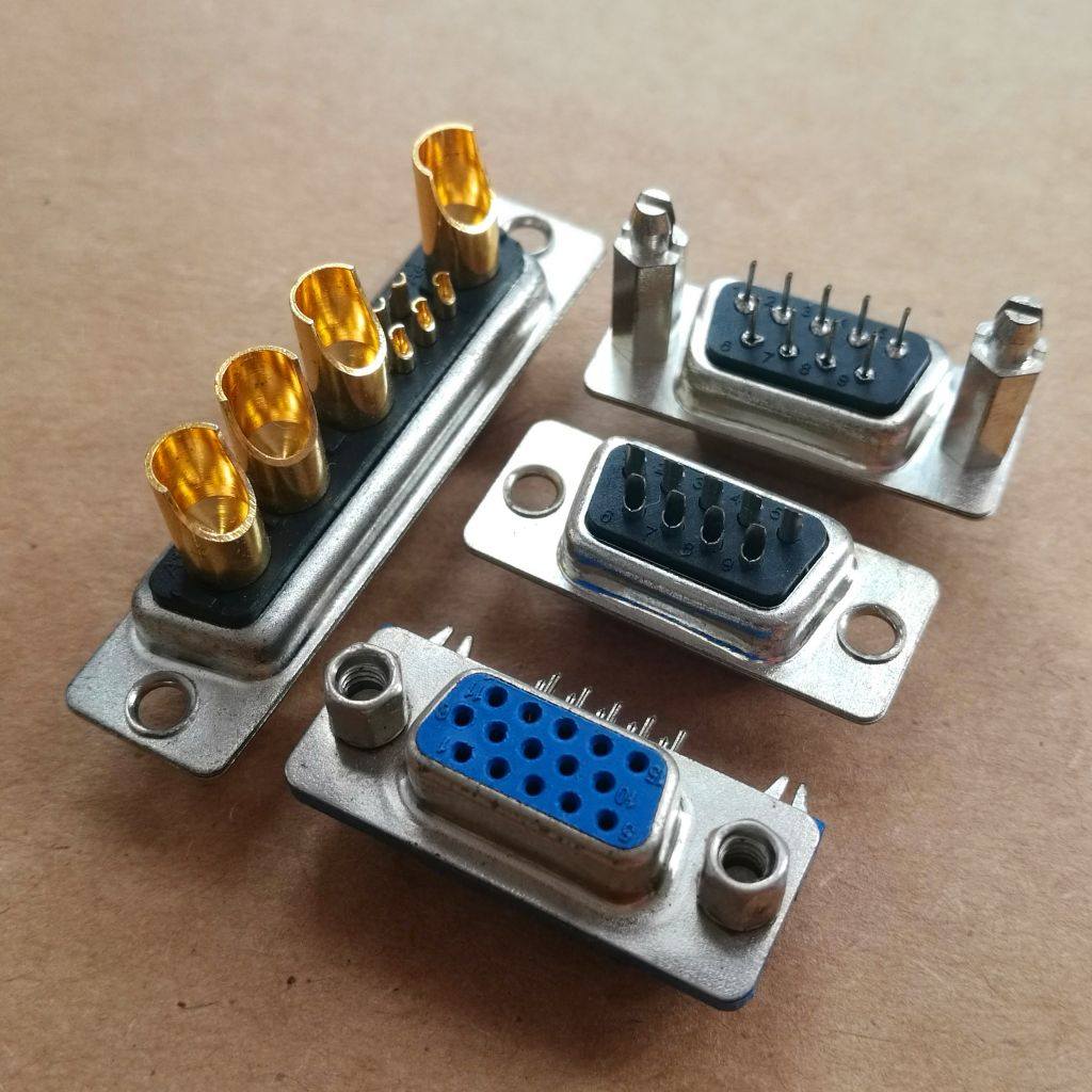 D Sub Connector Adaptor, Port Saver, High Density D Sub, Plug, 15, High Density D Sub, RoHS