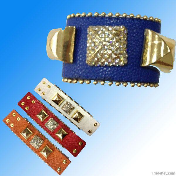 Bracelet/ Leather Jewelry/ Leather Bracelet (XJW1629)