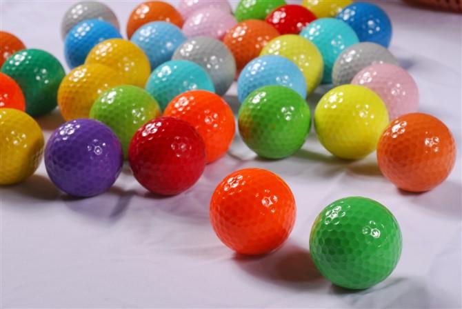 Color golf balls