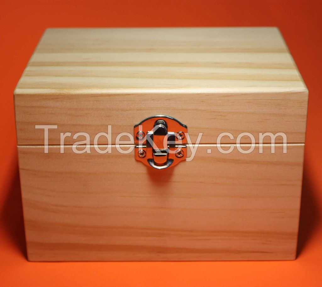 Wooden Essential Oil Box (Holds 12 of 10 ml essential oil bottles)
