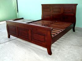 bedroom set/indoor furniture