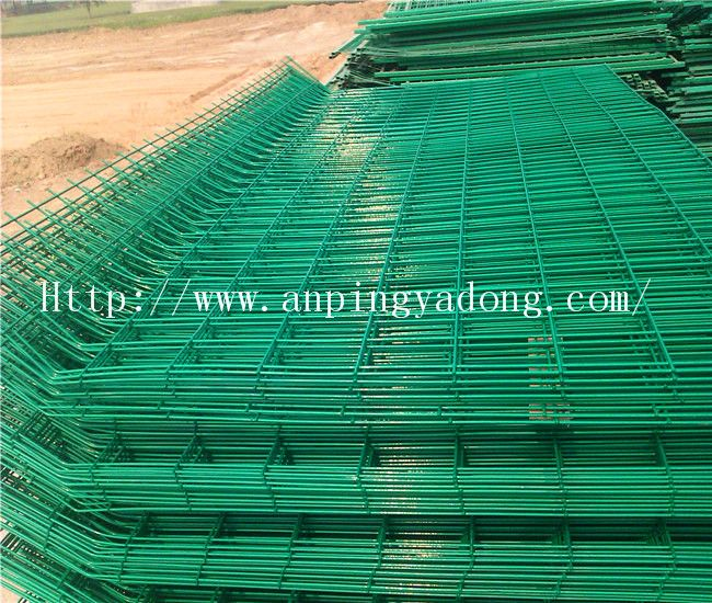 Beautiful Grid Wire Mesh Fence/ Fence Netting