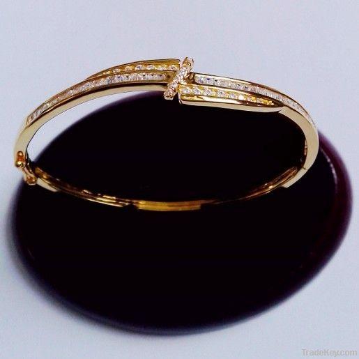 Fine Design Of 925 Silver Cubic Zircon Bracelet Bangle