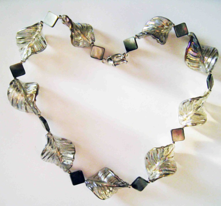 Black Lip Shell & Gray Glaze Necklace