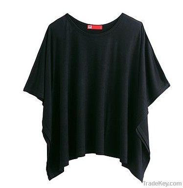 bat-wing sleeve T-shirt