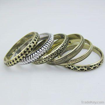 Fashionable Metal Gold Plating Bangles