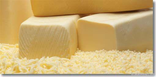 cheeddar cheese and mozzarella cheese