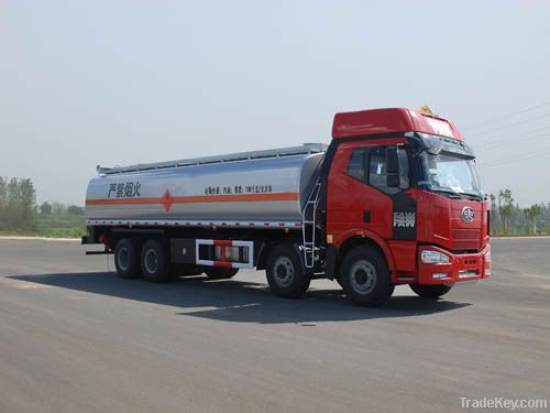 oil/fuel tank truck
