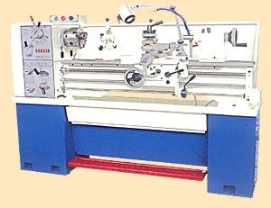 Engine Lathe With Spindle Hole Of 38mm, Max Swing 330/360mm