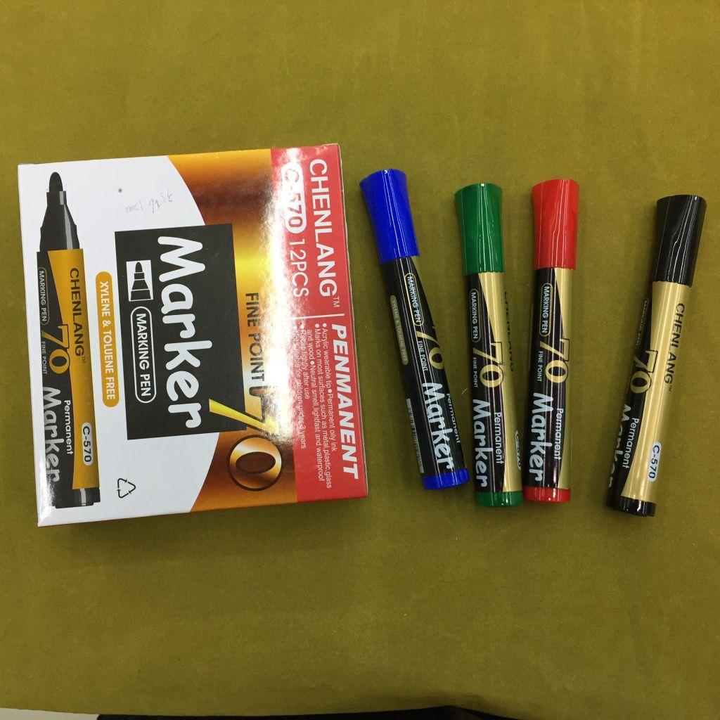 permanent maker pen