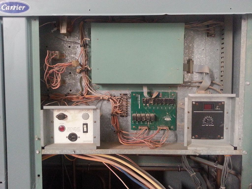 Carrier used water chiller 50 tons with flowtronic electonic controls