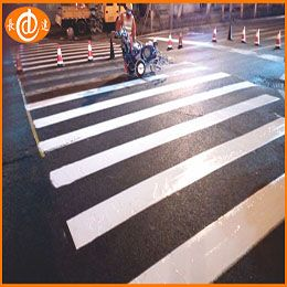 Solvent pavement marking paint (Cold Plastic)