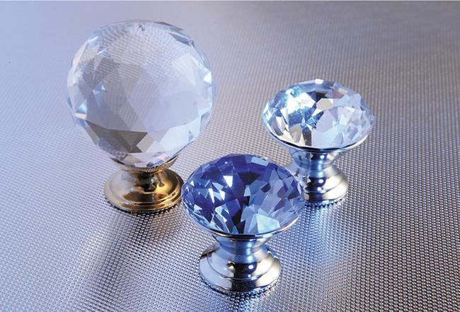 Diamond cabinet knobs