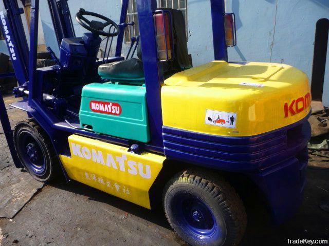 Used KOMATSU FD25T-17 Forklift