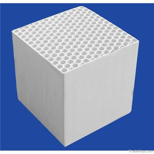 Honeycomb ceramic for RTO and RCO