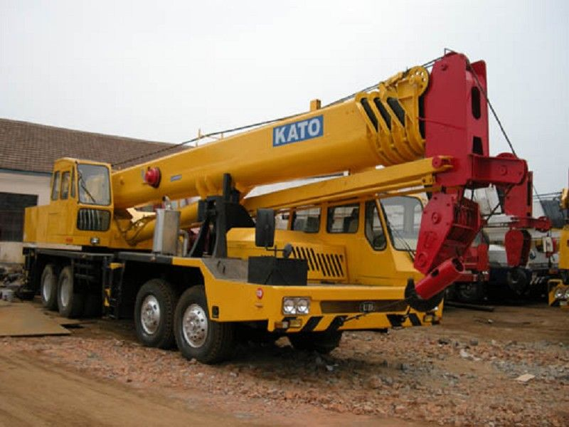 Used KATO NK550E Truck Crane