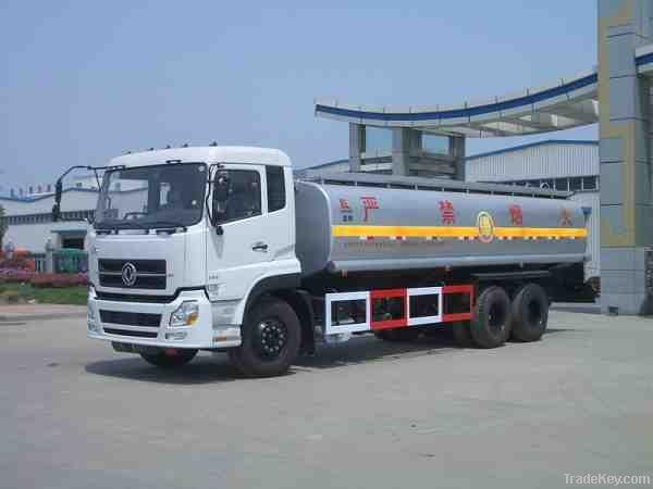 Fuel oil tank transportation truck