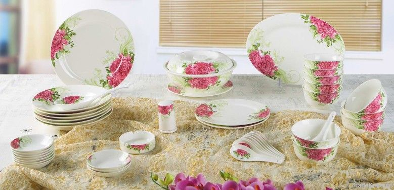 dinner set-Love of Red and Green