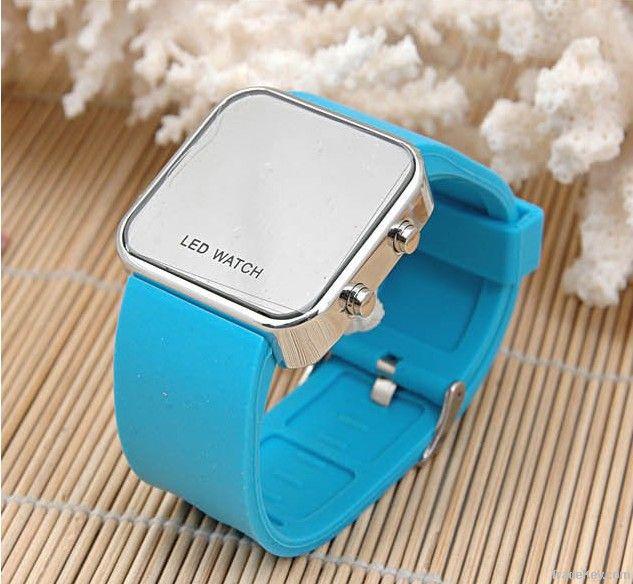 Dongguan Dingfeng fashion Silicone led Watch