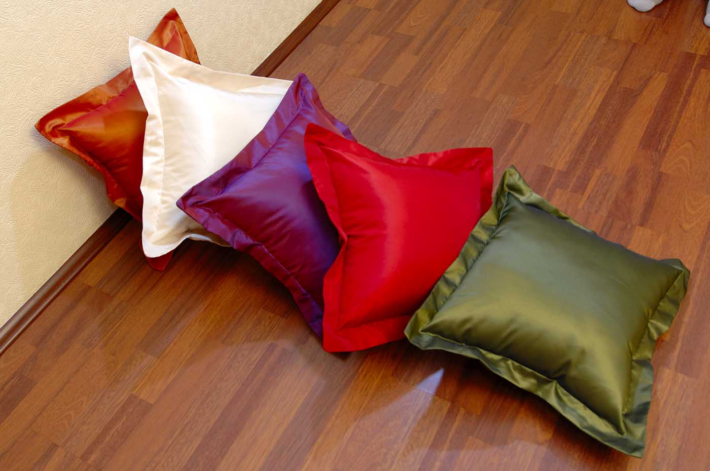 bed cover decorative pillow