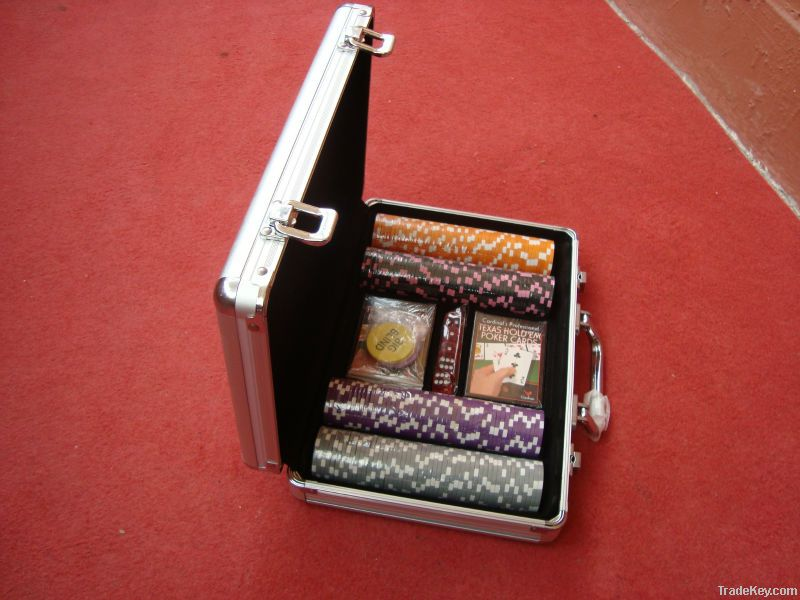 300PCS Poker Chip Set Aluminum Case In Crystal Acrylic Case