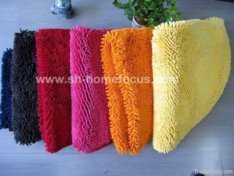 Microfiber chenille bath mat